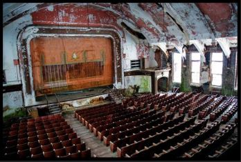 abandoned_theaters_2